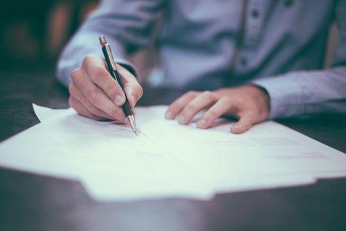 obsługa finansowo-prawna